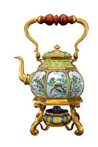 Octogonal Enamel Teapot with Design of Landscape, Flowers and Birds in Reserved Panel, (Reign of Qianlong; 1736–1795)