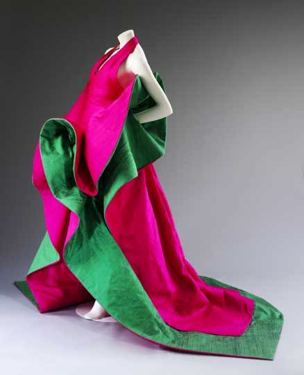 Evening dress of silk (1987–8), Roberto Capucci.