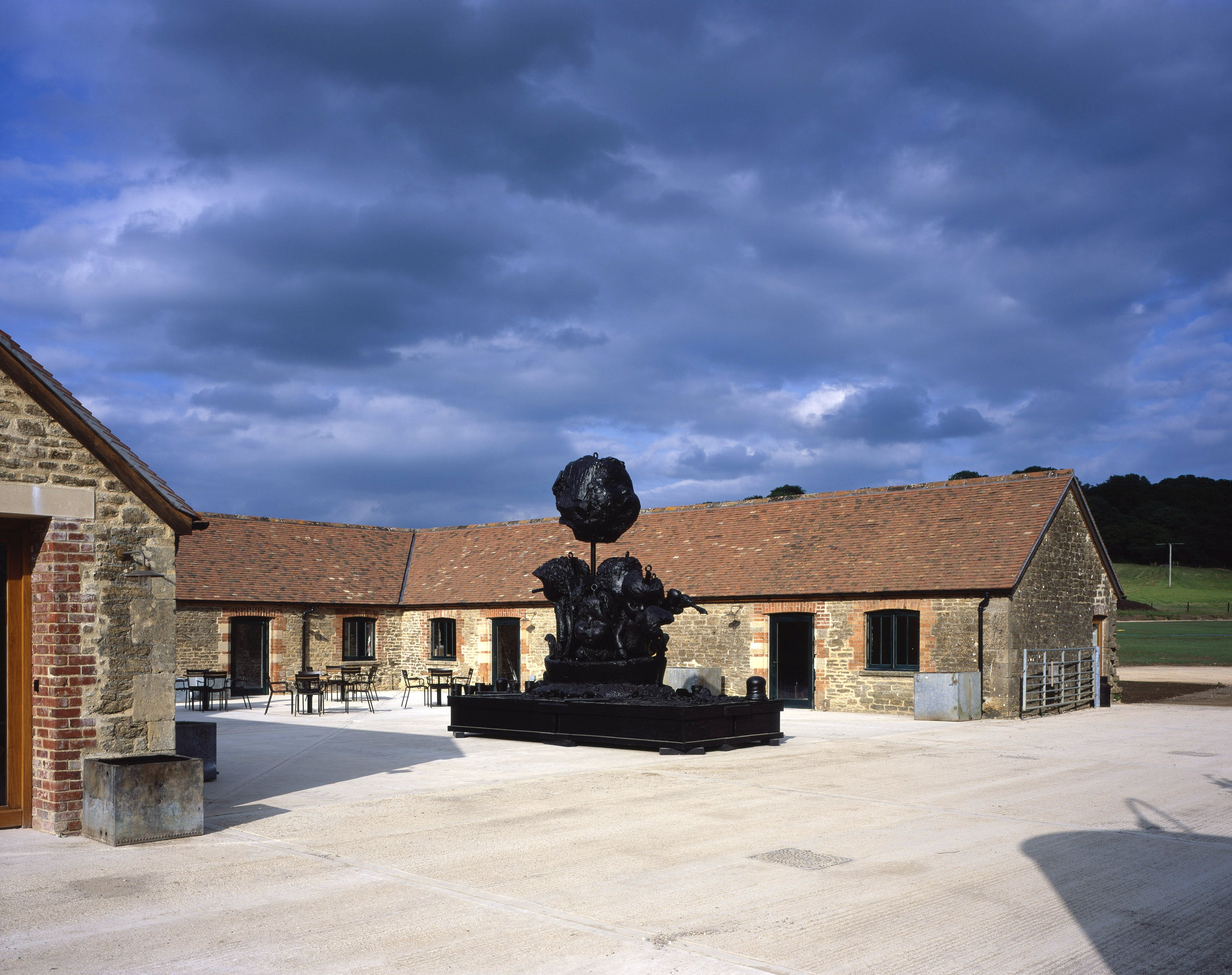 Hauser & Wirth Somerset. Centre: Paul McCarthy, Ship Adrift, Ship of Fools, 2010 – 2011