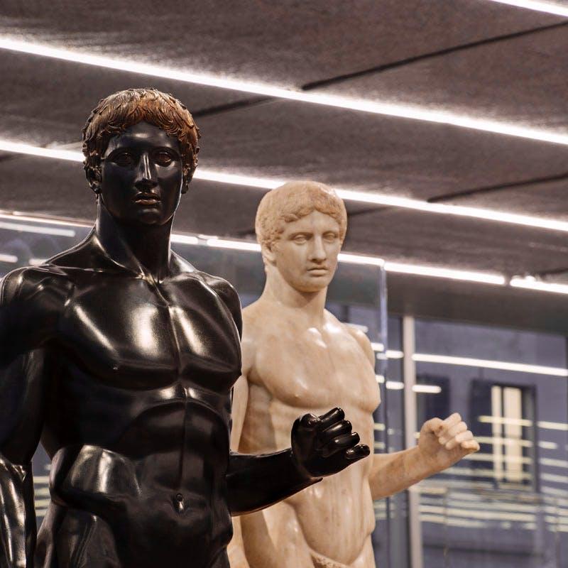 Exhibition view of 'Serial Classic', co-curated by Salvatore Settis and Anna Anguissola, Fondazione Prada Milano (2015).
