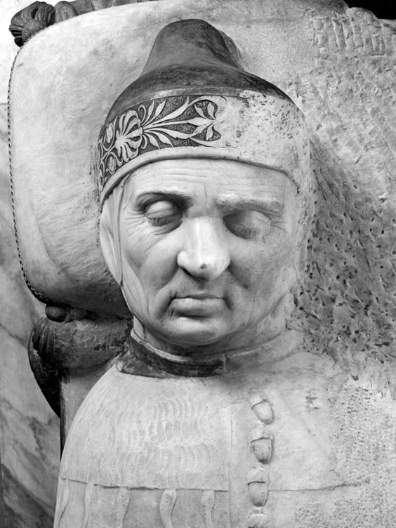 Detail of Tullio's effigy of the Doge on the Vendramin tomb (c. 1491–after 1506) in the church of SS. Giovanni e Paolo, Venice.