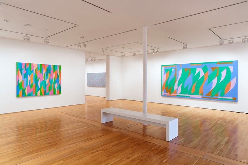 'Bridget Riley: The Curve Paintings, 1961-2014' (installation view: from left, 'Lagoon 2', 'Streak 2', 'Blue (La Réserve)')