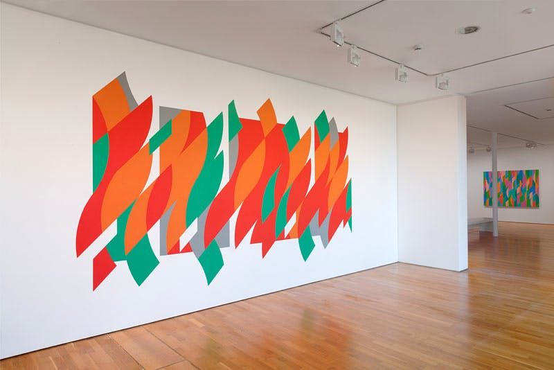 'Bridget Riley: The Curve Paintings, 1961-2014' (installation view: from left, 'Rajasthan', 'Lagoon 2')