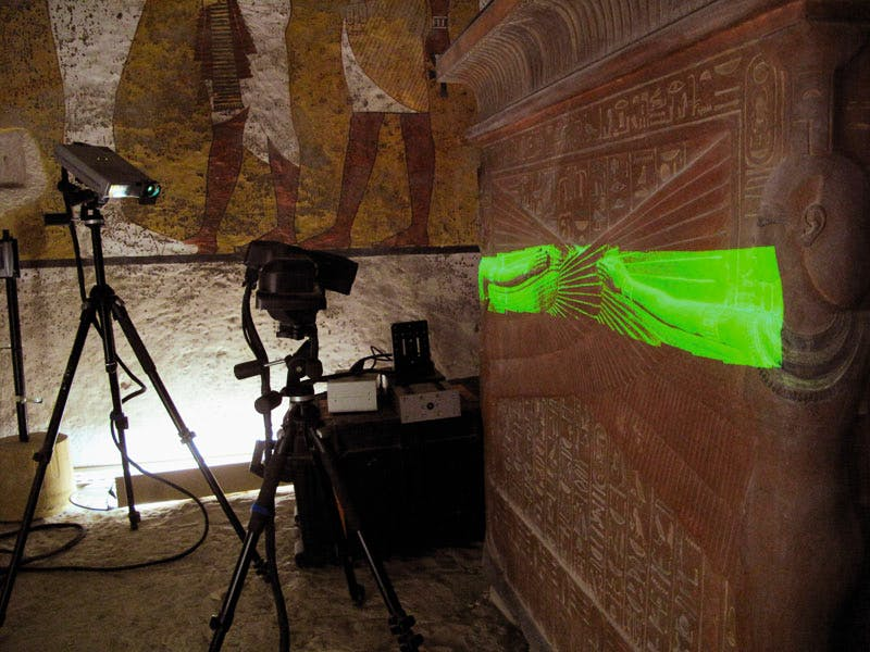 The Sidio Pro Scanner (White light scanner) during the recording of the sarcophagus in the Tomb of Tutankhamun, spring 2009