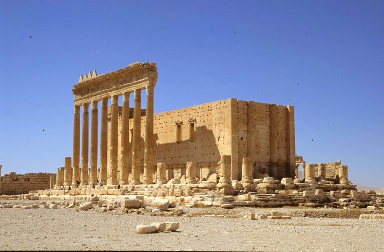 Apollo—-2004-09-06-SL-11-Palmyra-Bel-temple