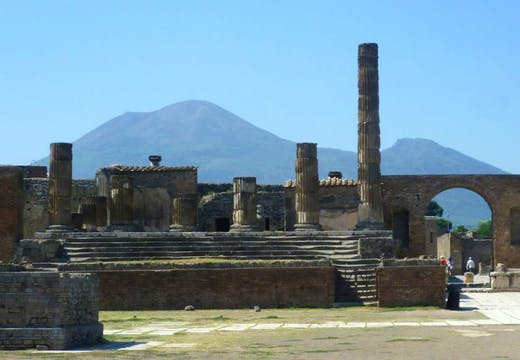 Italian police are investigating claims that staff at Pompeii deliberately destroyed a section of wall at the site after disputes with management.