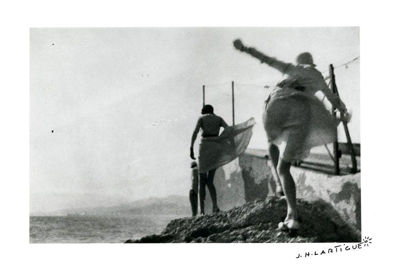 Bibi, Arlette and Irène. Storm in Cannes (May 1929), Jacques-Henri Lartigue