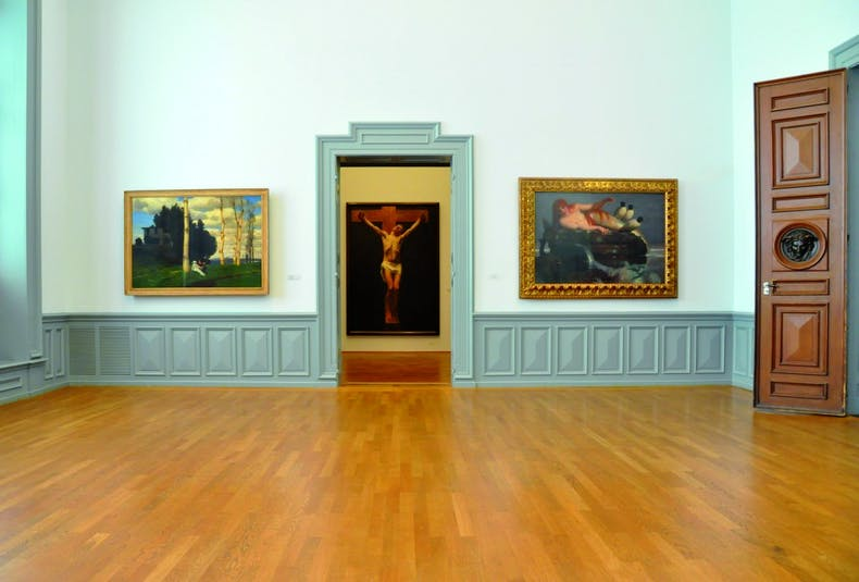 Works by Alfred Böcklin (left and right) displayed in the Kunstmuseum Bern.