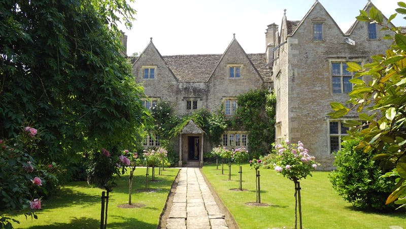 Kelmscott Manor, the summer home of Victorian designer and poet William Morris, is to undergo renovation work