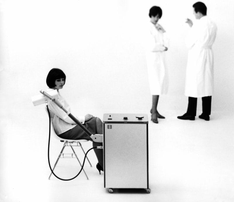 Advertisement for Erbotherm, heat therapy unit (1962). Designers: Tomás Maldonado, with Gui Bonsiepe and Rudolf Scharfenberg. Manufacturer: Erbe Elektromedizin.