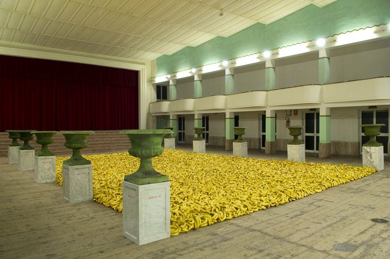 Chief talking point of Abu Dhabi Art is the installation of thousands of bananas by Chinese artist Gu Dexin, brought to the fair by Galleria Continua. Courtesy GALLERIA CONTINUA, Photo by Ela Bialkowska