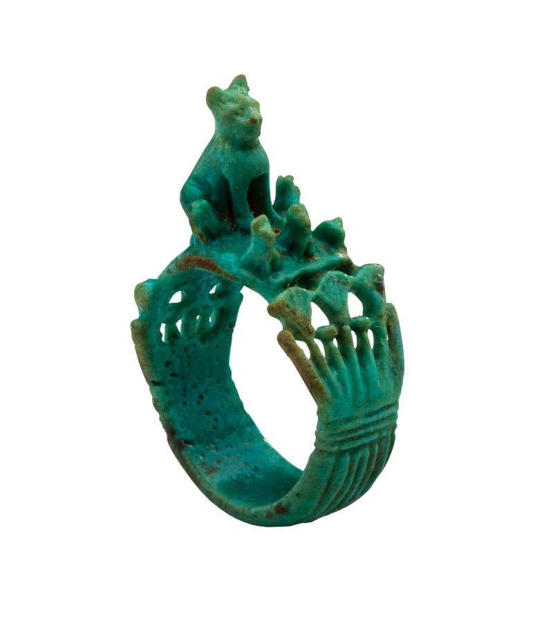 Ring with cat and kittens (1540–1295 BC), Egyptian, New Kingdom, 18th Dynasty. Les Enluminures at Sam Fogg, London