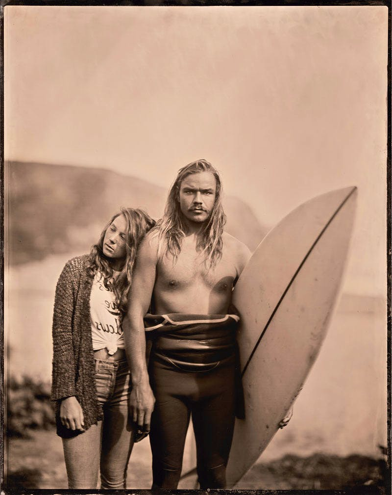 16.02.20 #1 Thea+Maxwell by Joni Sternbach, from the series 'Surfland'. © Joni Sternbach