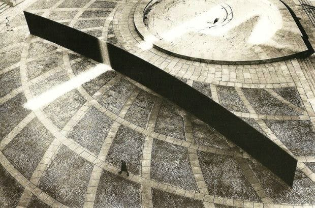 Richard Serra's Tilted Arc (1981), was commissioned for the Foley Federal Plaza in New York and removed in 1989.