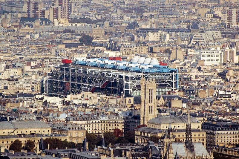 The Centre Pompidou remains closed for the 11th day due to an employment dispute.