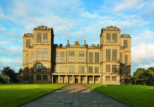 The New Hall, Hardwick Hall, designed by Robert Smythson and completed in 1590, seen from the west