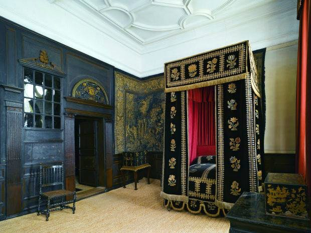 Queen Mary's Room, which has a dado bearing the date 1599, was probably originally the Inner Chamber for the Best Bedchamber