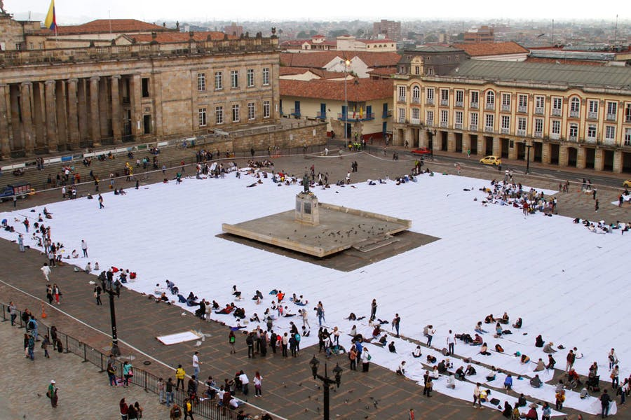 Sumando Ausencias by Doris Salcedo in the Plaza de Bolívar. Photo: © Oscar Monsalve; © Doris Salcedo