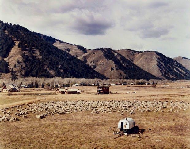 Ketchum, Idaho, October 1980, by Joel Sternfeld. © Joel Sternfeld. Image courtesy Beetles+Huxley and Luhring Augustine