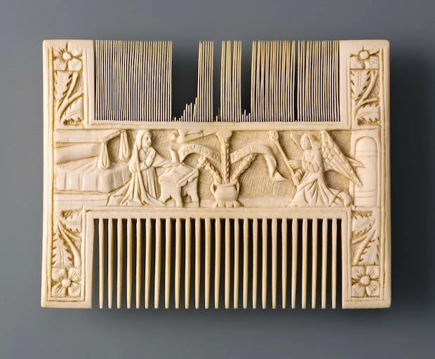 Comb with The Annunciation (c. 1450–1500), possibly Italy, France or Flanders. © Kunstgewerbemuseum, Berlin.