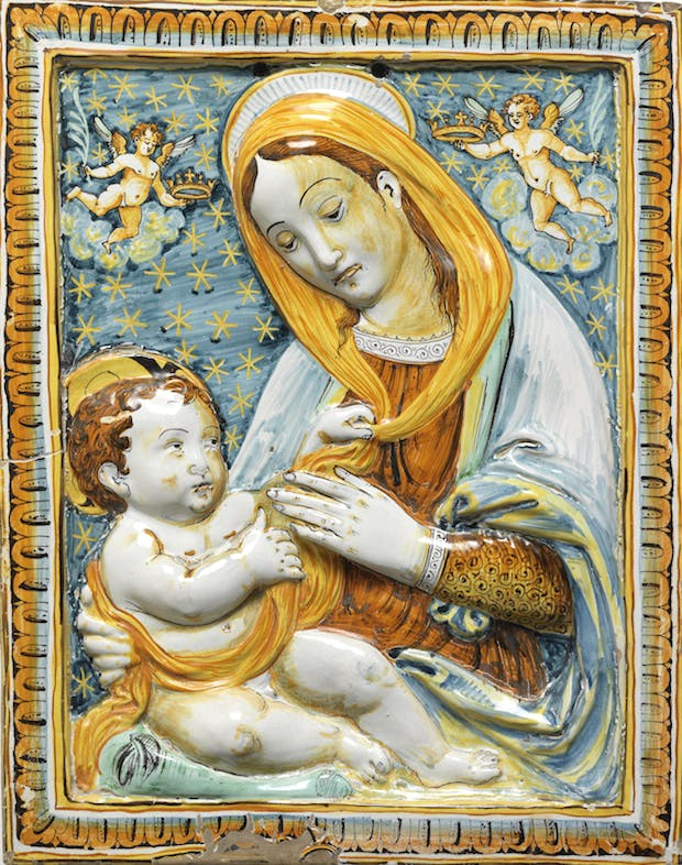 Maiolica panel, painted with a half-length figure of the Virgin with the infant Christ (c. 1600–1700). © Fitzwilliam Museum, Cambridge