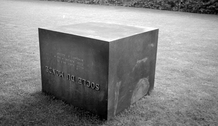 Socle du Monde (1961), Piero Manzoni. Photo: Ole Bagger, courtesy of HEART