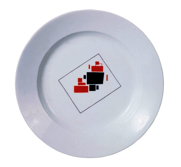 Plate with Suprematist design (1923), Kazimir Malevich. Image courtesy the author
