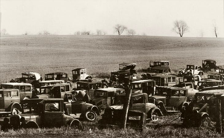 Joe's Auto Graveyard (1936), Walker Evans. © Walker Evans Archive, The Metropolitan Museum of Art; Photo: © Ian Reeves