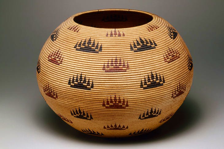 Basket Bowl (1907), Louisa Keyser, also known as Datsolalee. Promised Gift of Charles and Valerie Diker. Photo: Dirk Bakker