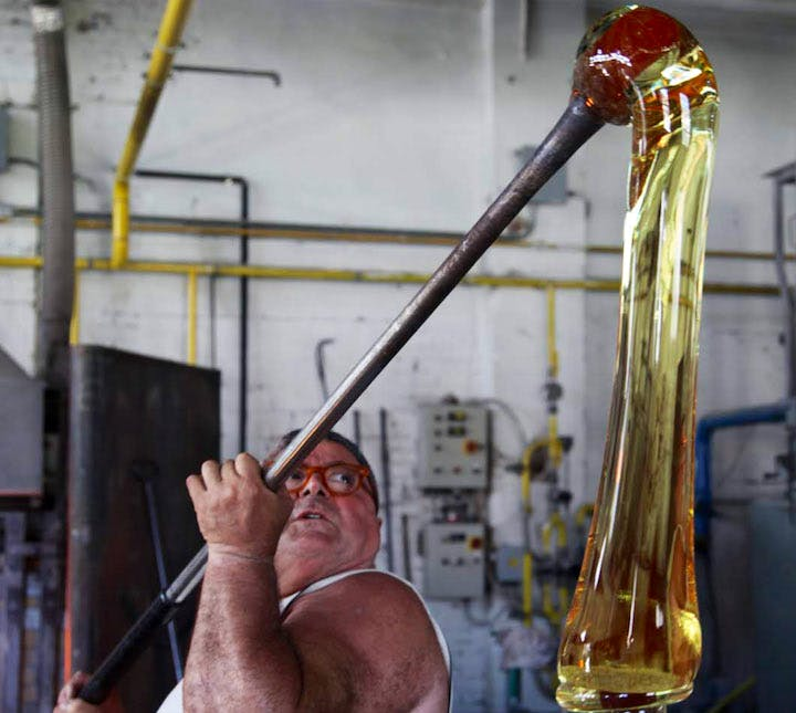 Glassmasters working on Pieke Bergman's piece for 'Glasstress 2009'. Courtesy of Fondazione Berengo