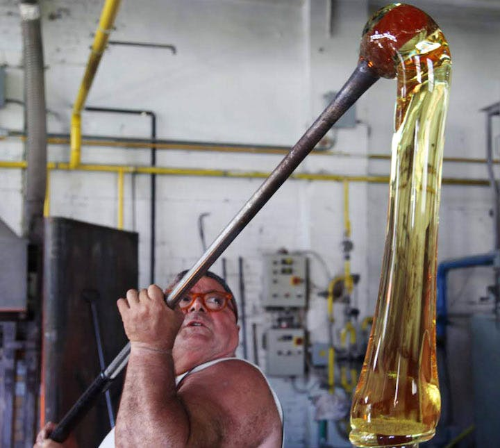 Glassmasters working on Pieke Bergman's piece for 'Glasstress 2009'. Courtesy of Fondazione Berengo