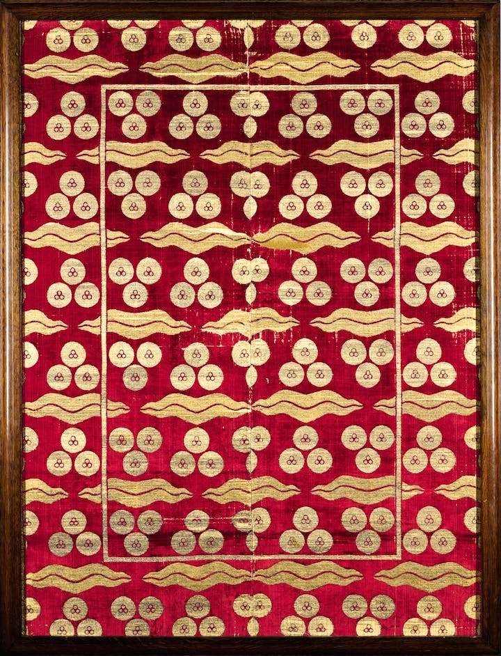 Ottoman voided silk velvet and metal-thread panel (çatma), with çintamani and tiger-stripe design (late 16th–early 17th century), Turkey