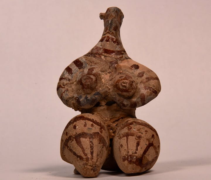 Iraqi Pavilion: Figure, presumed to be a fertility goddess, c. 6,000 BCE. Courtesy Iraq Museum, Department of Antiquities; Ministry of Culture, Tourism and Antiquities; and Ruya Foundation