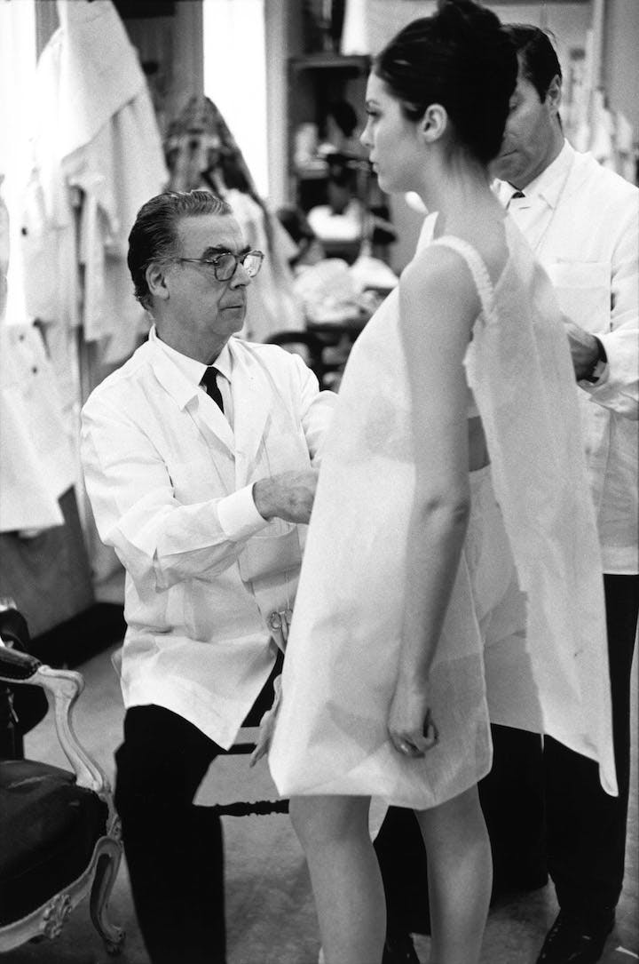 Cristóbal Balenciaga at work in Paris, 1968. © Henri Cartier-Bresson / Magnum Photos