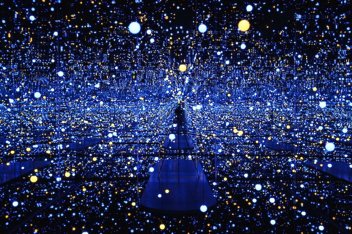Infinity Mirrored Room - Gleaming Lights of the Souls (2008), Yayoi Kusama. © Yayoi Kusama, Courtesy of Ota Fine Arts, Tokyo/Singapore, Victoria Miro Gallery, London, David Zwirner, New York