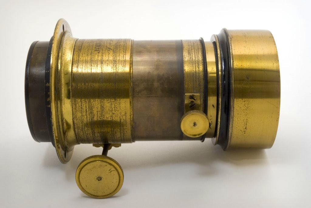 Julia Margaret Cameron's camera lens (1860), © The RPS collection at the Victoria and Albert Museum, London