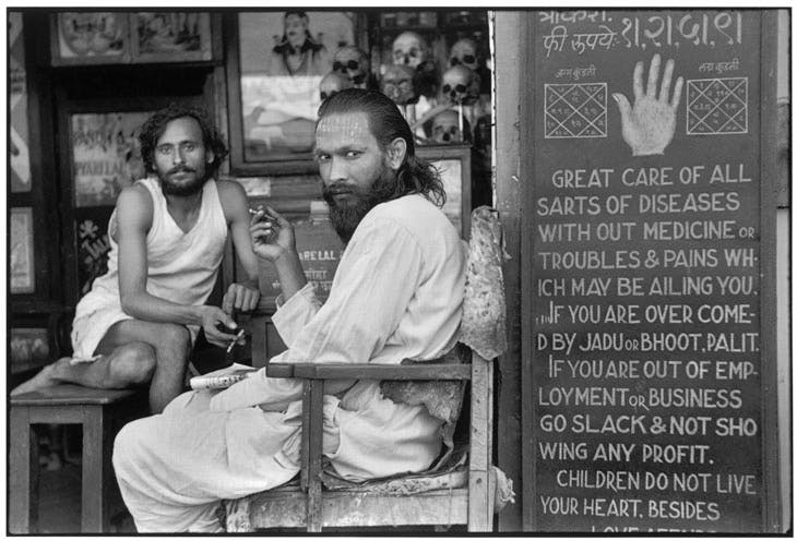 A astrologer's shop in the mill workers' quarter of Parel Bombay, Maharashtra, India (1947), Henri Cartier-Bresson. © Henri Cartier-Bresson/Magnum Photos