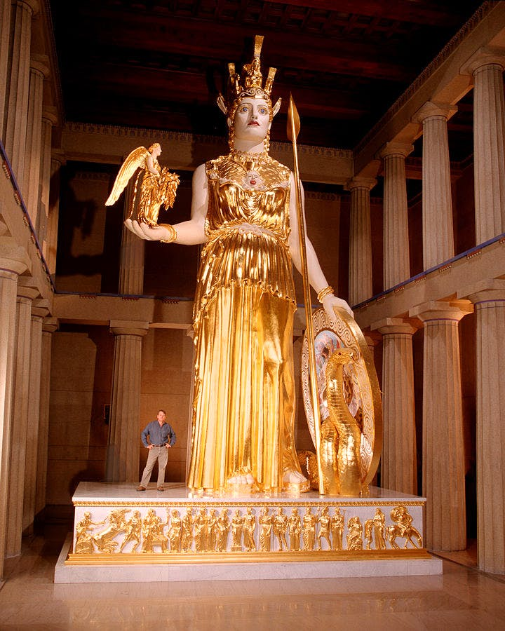 The Nashville Athena statue, recreated by Alan LeQuire in 1990, is housed in a full-scale replica of the Parthenon in Centennial Park. Photo: Wikimedia Commons (Dean Dixon)