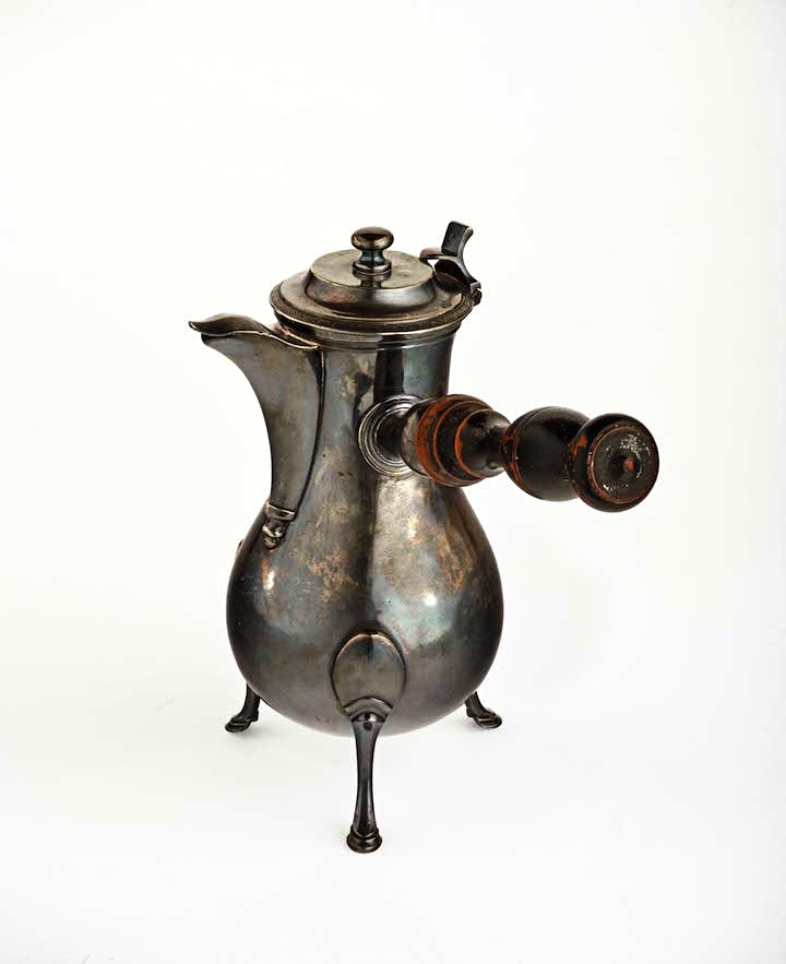 French coffee pot, maker unknown, early 19th century. Musée Matisse, Nice. Photo © François Fernandez