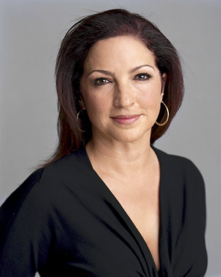 Gloria Estefan (2010), Timothy Greenfield-Sanders. Courtesy of the San Antonio Museum of Art
