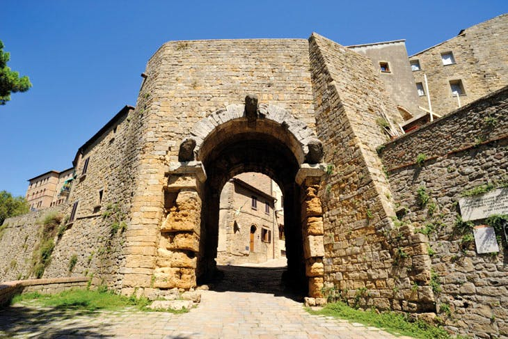 The Porta dell'Arco, Volterra. Photo: © David Lyons/Alamy Stock Photo
