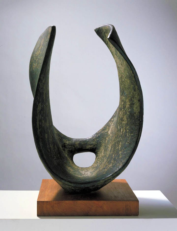 Curved Form (Trevalgan) (1956), Barbara Hepworth. Tate © Bowness
