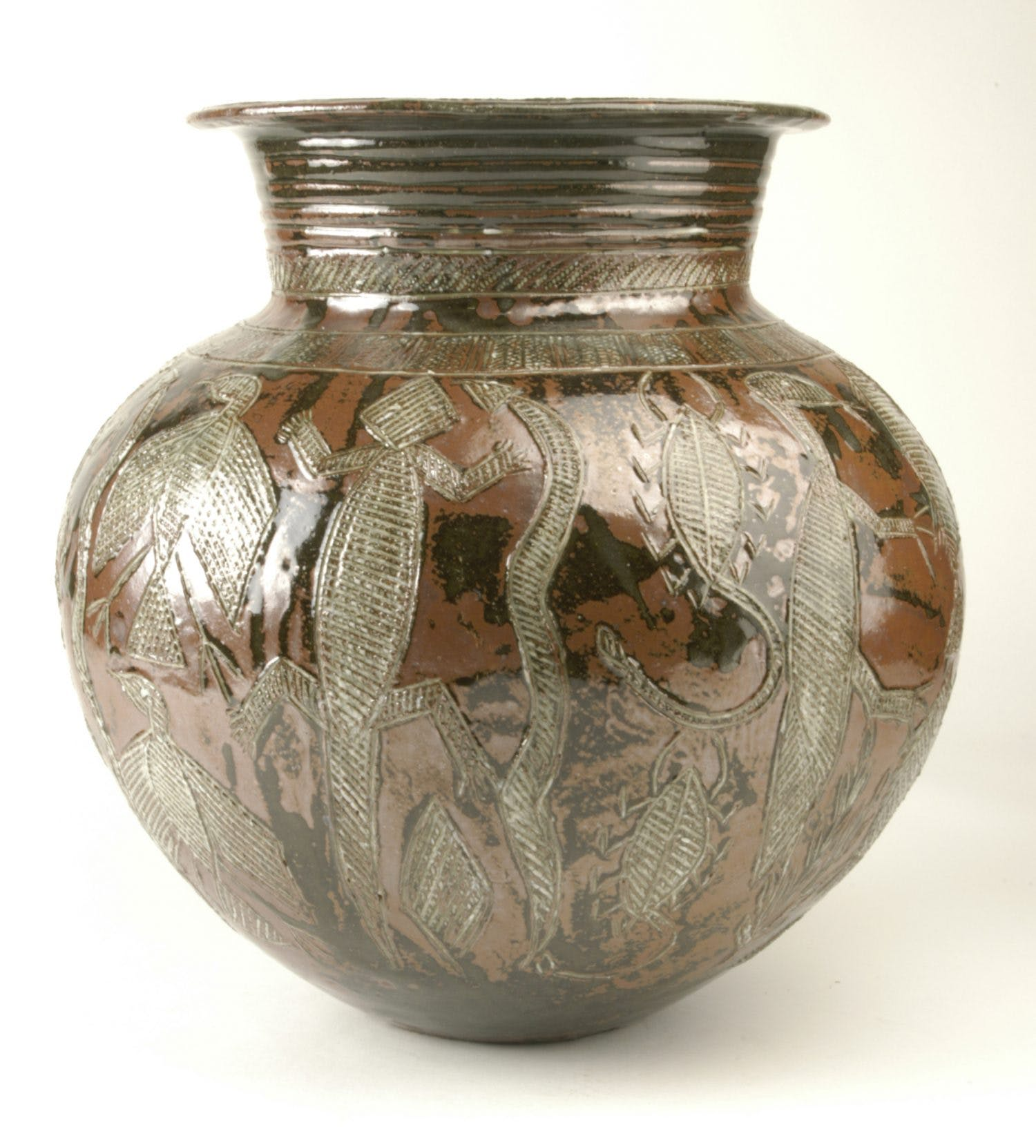 Water pot (c. 1956), Ladi Kwali.