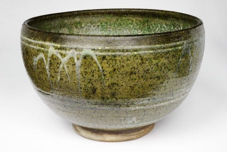 Rose bowl (c. 1938), Michael Cardew.
