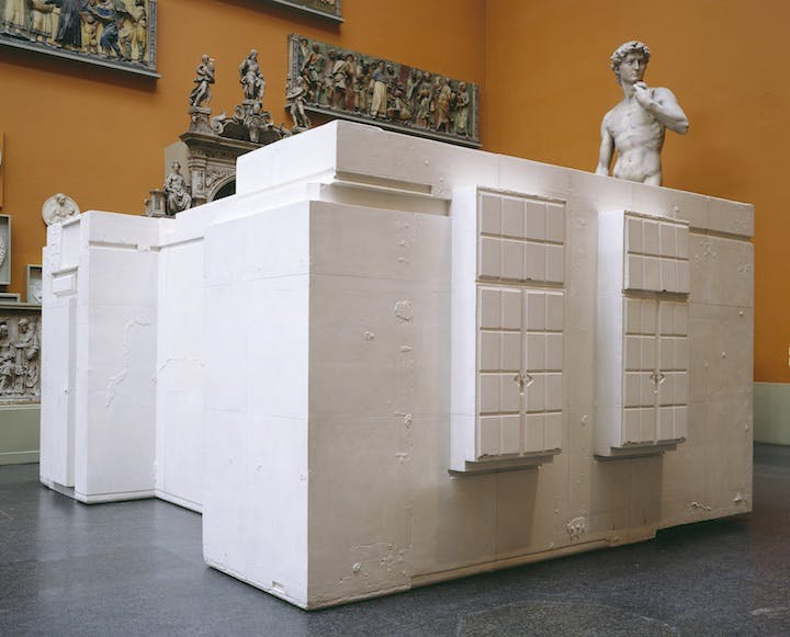 Untitled (Room 101) (2003), Rachel Whiteread. © Rachel Whiteread, Musée National d'Art Moderne – Centre Pompidou, Paris