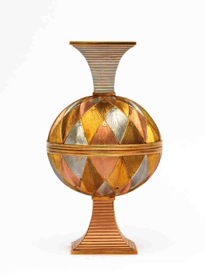 Five-color gold double marriage cup (pre-1896), Fabergé. A La Vieille Russie, New York