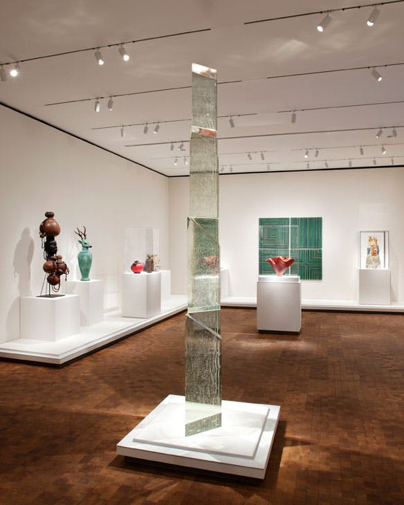 Victory Column (1997), Stanislav Libenský and Jaroslava Brychtová. Gift of Lisa Shaffer Anderson and Dudley Buist Anderson