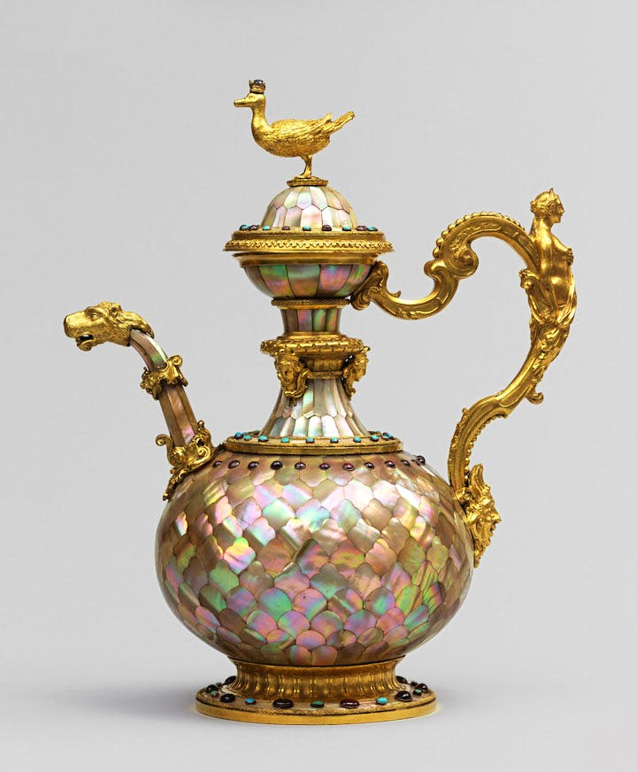 Mother-of-pearl ewer, c. 1640, Gujarat, India, attributed to Orazio Scoppa. © Louvre Abu Dhabi / Agence Photo F