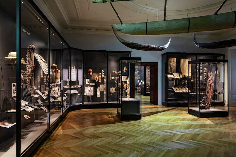 Gallery titled 'South Seas ­– Encounters with Paradise Lost', Weltmuseum, Wien, © KHM-Museumsverband