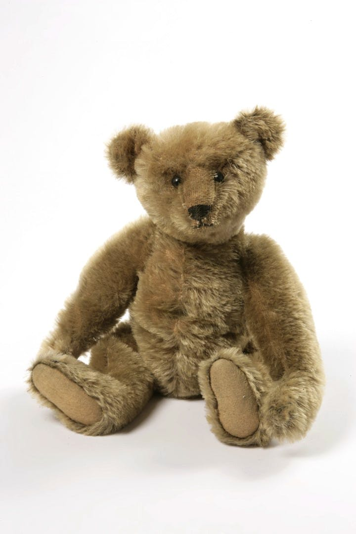 Teddy Bear manufactured by Margarete Steiff, ca. 1906-1910. © Victoria and Albert Museum, London